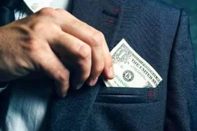 小宝金融告诉你月入十万的人会怎么赚钱?