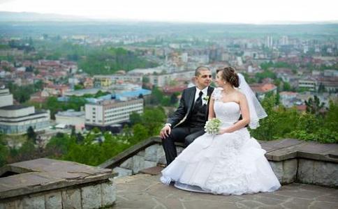 90后新婚夫妇怎样理财存够旅游资金